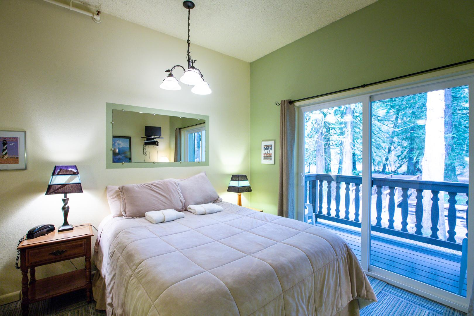 Mt. Baker Lodging Condo #77 – ECONOMICAL, CONVENIENT, KITCHENETTE, SLEEPS-2! photo 31816867