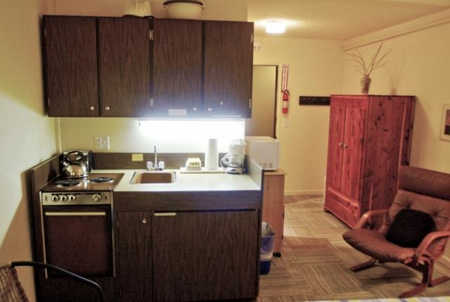Mt. Baker Lodging Condo #77 – ECONOMICAL, CONVENIENT, KITCHENETTE, SLEEPS-2! photo 60743