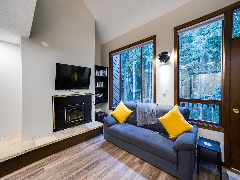 Mt. Baker Lodging Condo #68 – FIREPLACE, WASHER/DRYER, DISHWASHER, SLEEPS-4! photo 4365061
