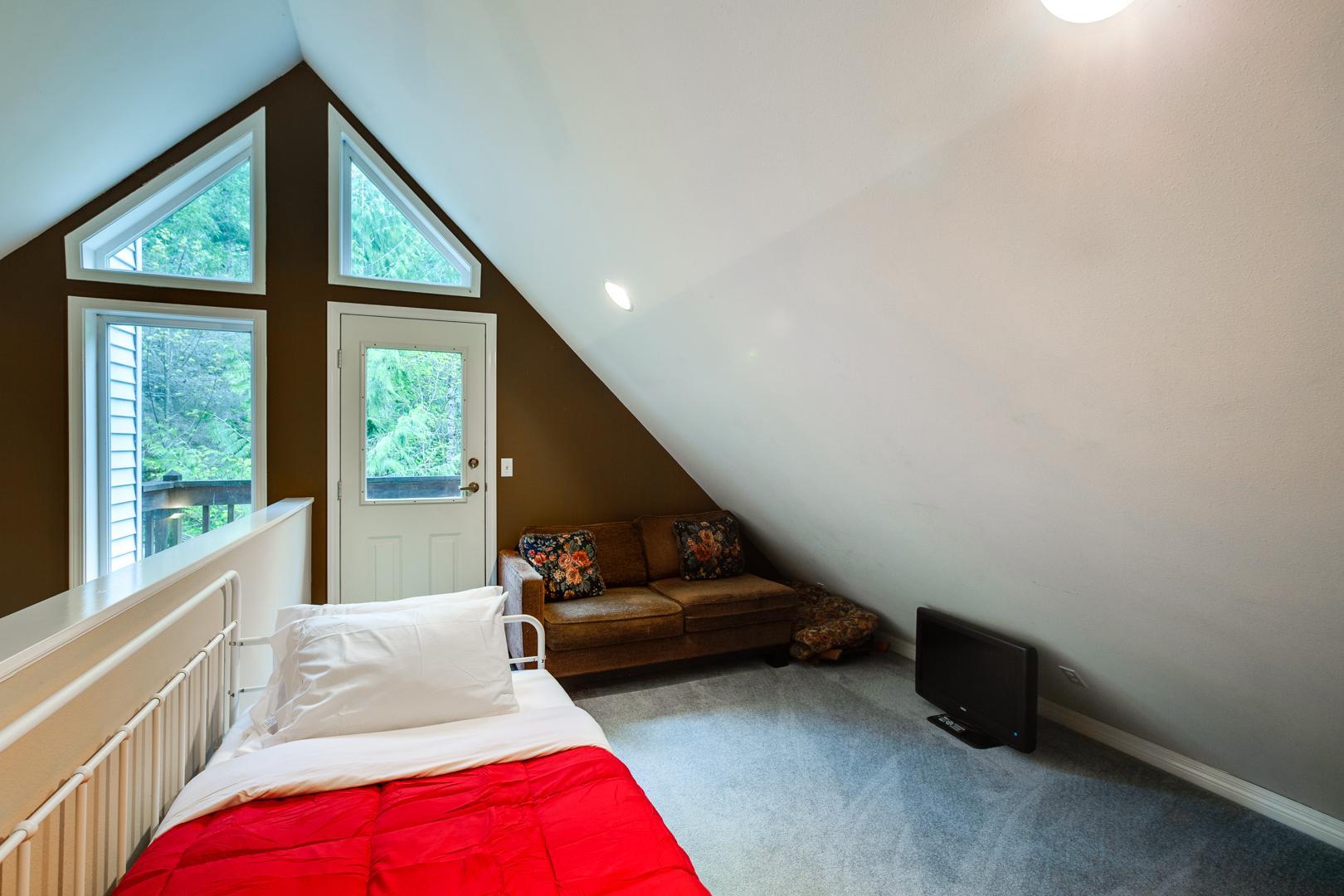 Apartment Mt  Baker Lodging Cabin  58     FIREPLACE  DISHWASHER  WIFI  SLEEPS 6  photo 4276973