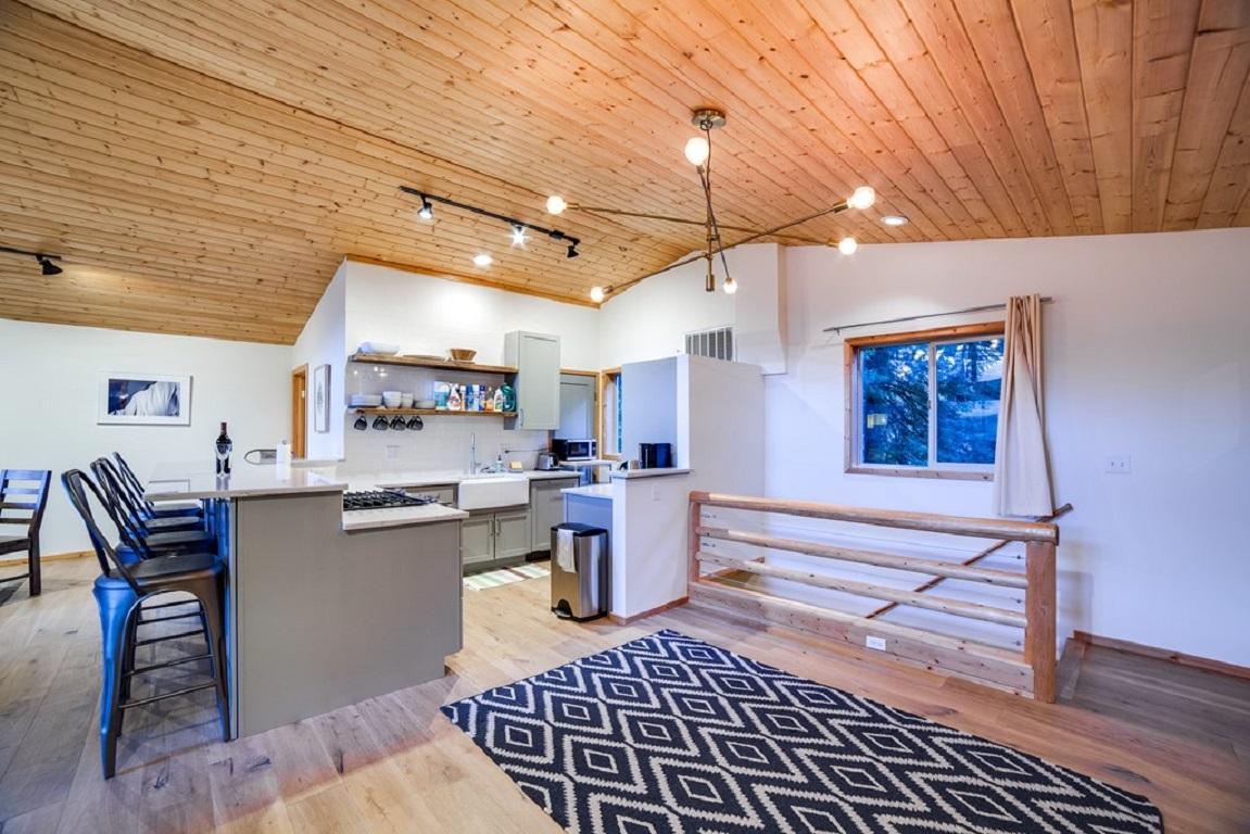 Apartment Mt  Baker Lodging Cabin  54     MT VIEW  BBQ  WIFI  D W  W D  SLEEPS-6  photo 3998642