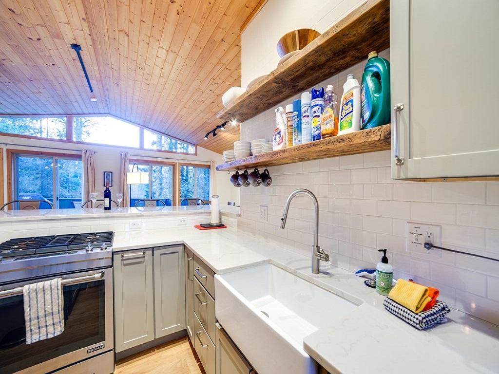 Apartment Mt  Baker Lodging Cabin  54     MT VIEW  BBQ  WIFI  D W  W D  SLEEPS-6  photo 3998643