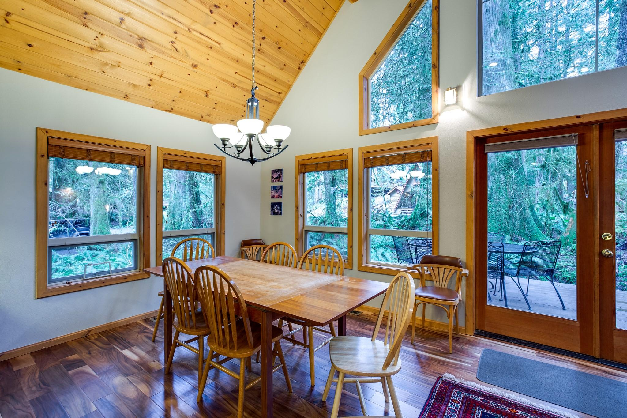 Mt. Baker Lodging Cabin#40 – HOT TUB, BBQ, PET FRIENDLY, WIFI, SLEEPS 8! photo 30888837