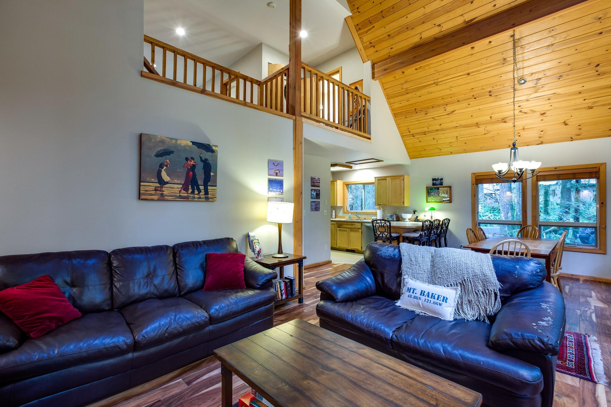 Mt. Baker Lodging Cabin#40 – HOT TUB, BBQ, PET FRIENDLY, WIFI, SLEEPS 8! photo 30888834