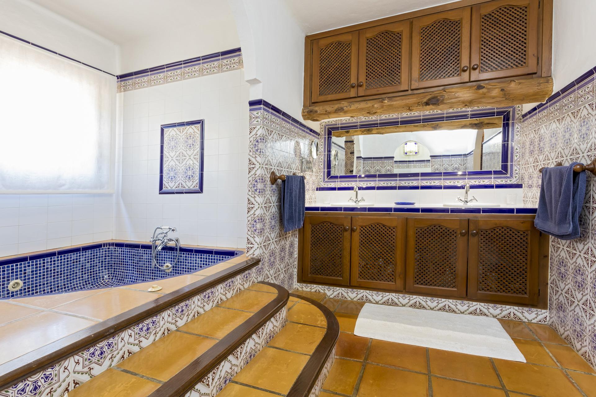 Apartment Villa Cas Berris  Lujo y Vista mar en Es Cubells photo 17812552