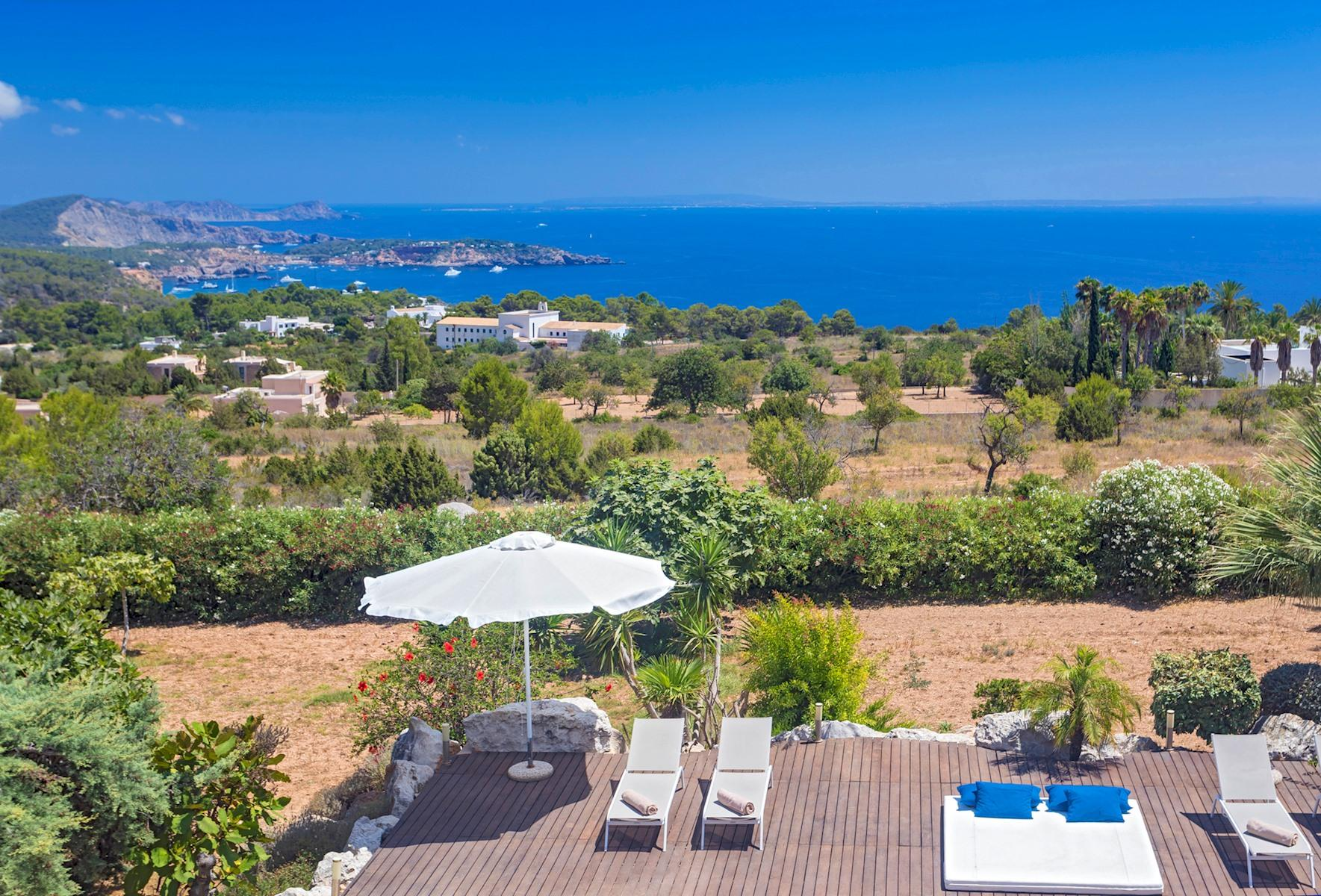 Villa Cas Berris. Lujo y Vista mar en Es Cubells photo 17812530
