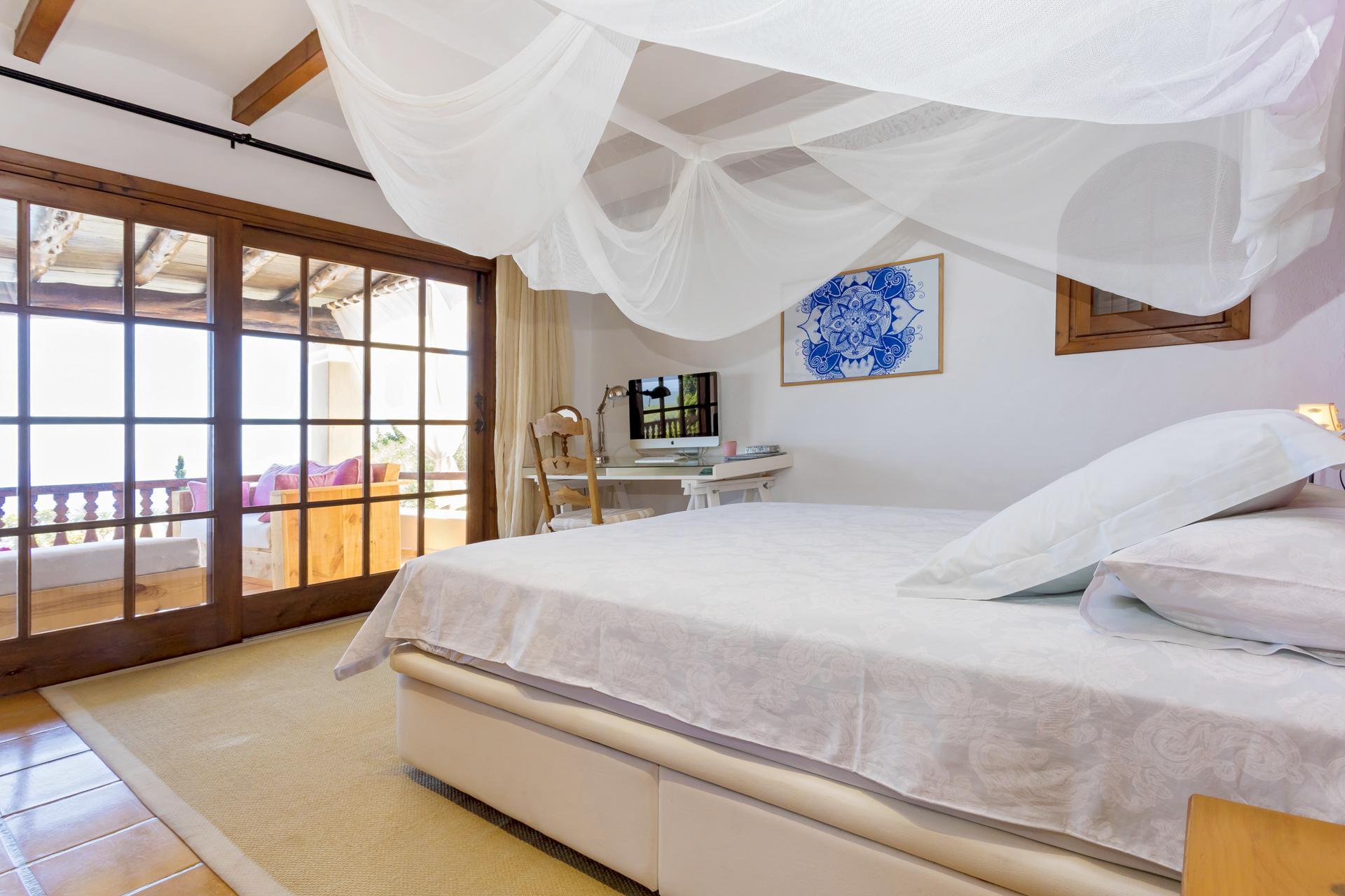 Apartment Villa Cas Berris  Lujo y Vista mar en Es Cubells photo 17719995