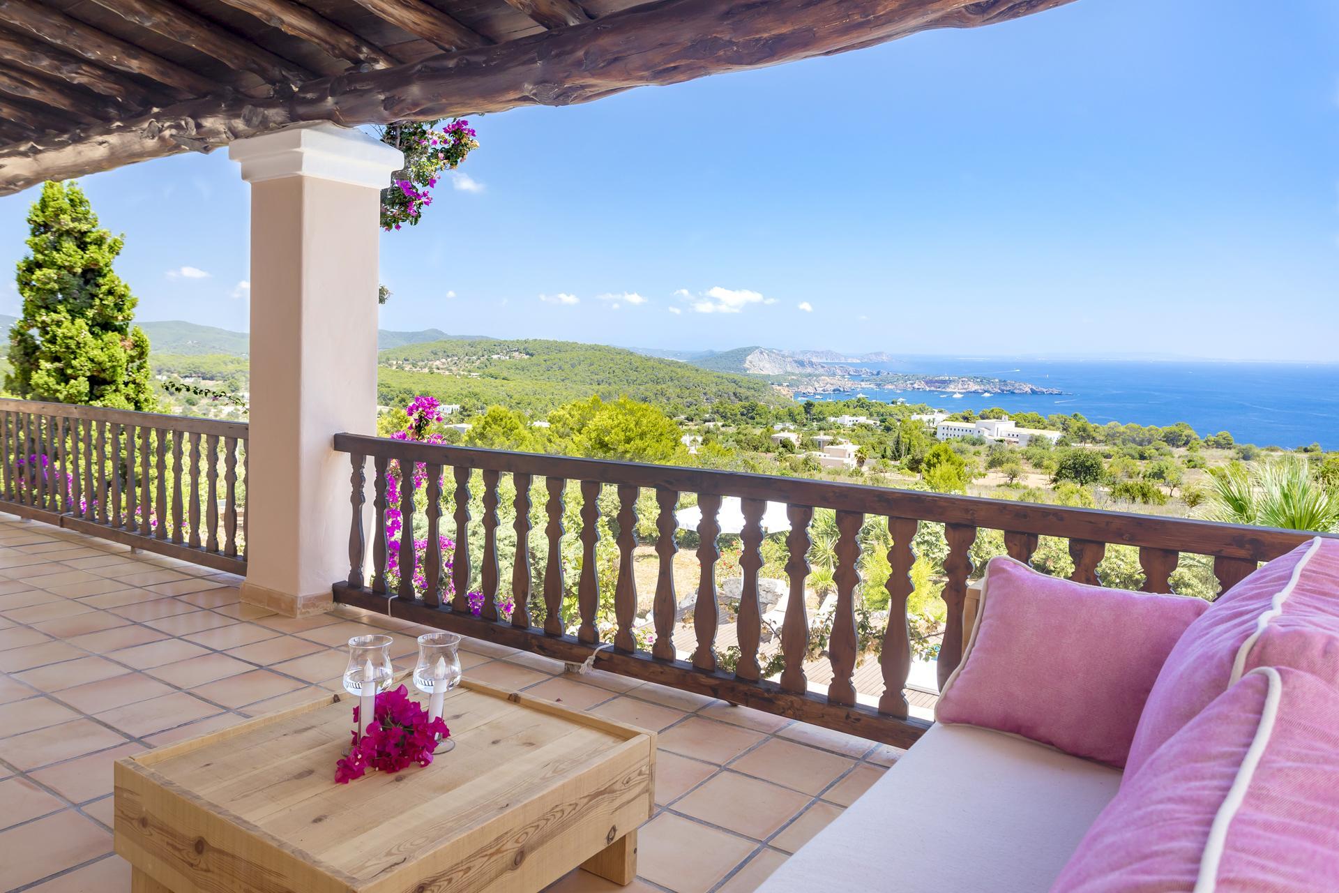 Villa Cas Berris. Lujo y Vista mar en Es Cubells photo 17644615