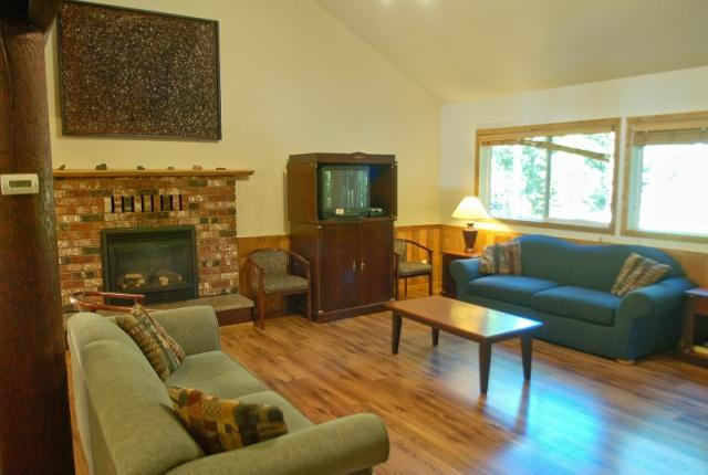 Mt. Baker Lodging Cabin #3 – Very Large Cabin on Acreage, 12 BDRM, 3.5 BATH, SLEEPS 26! photo 59168
