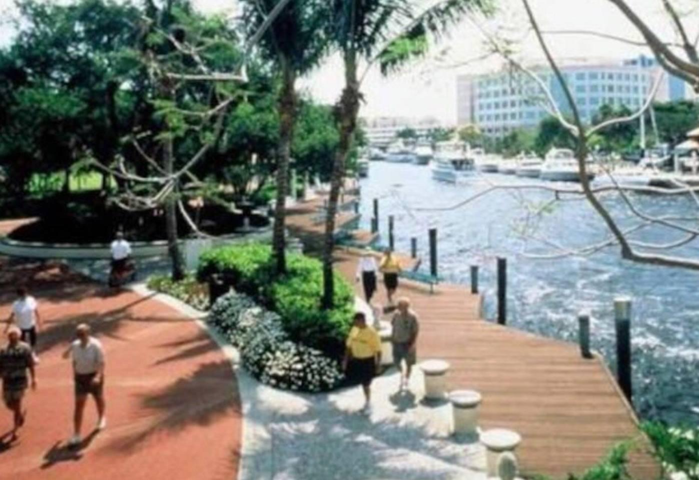 Apartment 4 Bedroom house steps from Riverwalk FtLauderdale photo 31771365