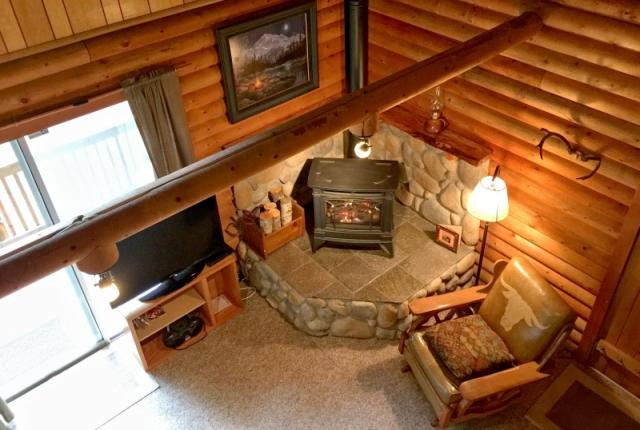 Mt. Baker Lodging Cabin #17 – REAL LOG CABIN, BBQ, PETS OK, SLEEPS-8! photo 59484