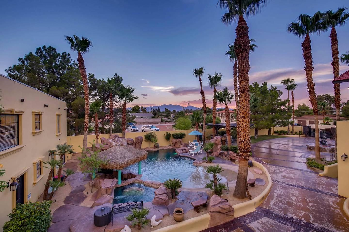 12Bd 13Ba Private Resort, One Of A Kind. photo 26209735