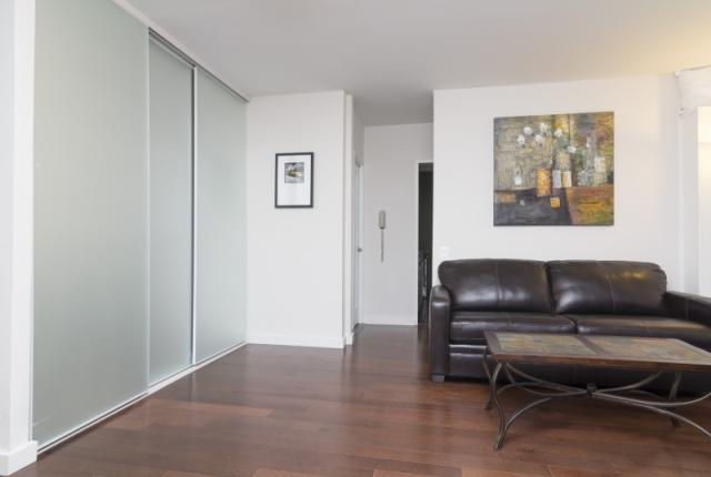 Lovely 3 Bedroom Apartment in Midtown East photo 51541