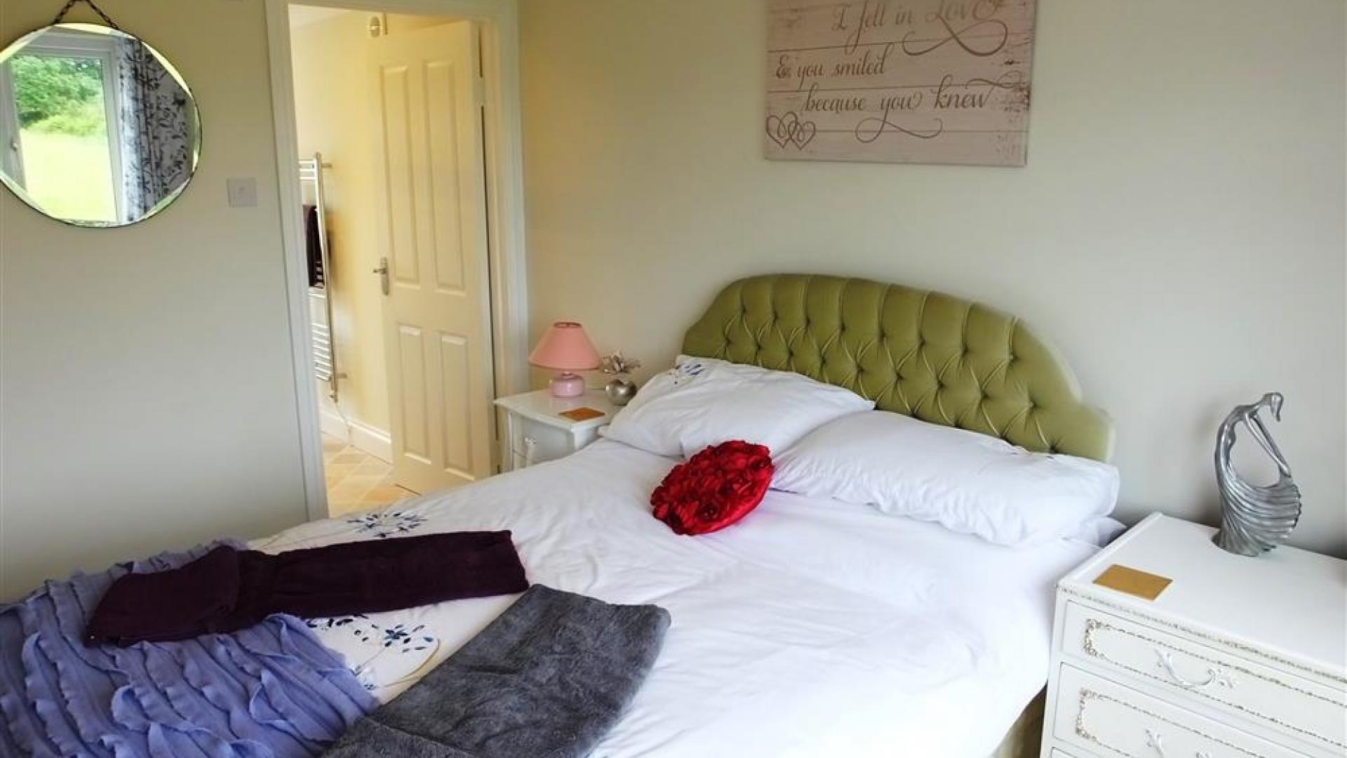Apartment Topsham Drive photo 27740815